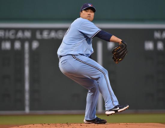 지난달 21일(한국시각) 류현진(토론토 블루제이스)이 보스턴 레드삭스를 상대로 원정경기에서 투구하고 있다. /사진=로이터