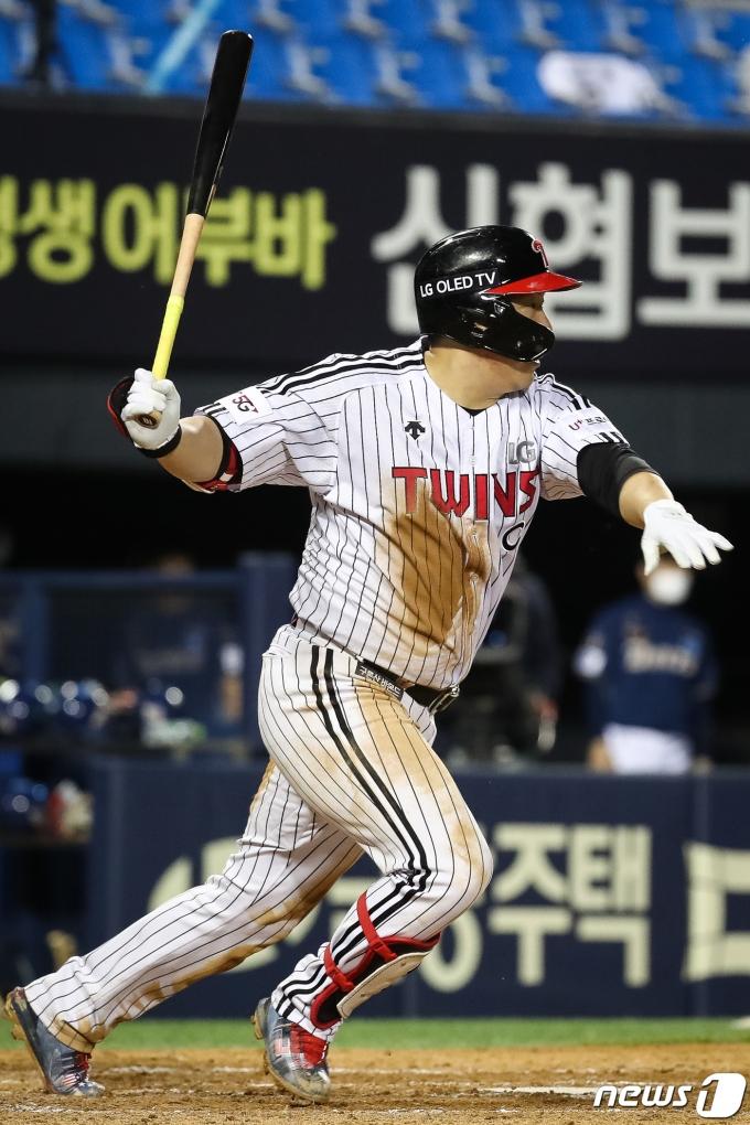 [사진] 적시타 날리는 LG 김현수