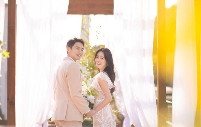 배우 윤종화(왼쪽) 신고은/ 사진=신고은 인스타그램 © 뉴스1