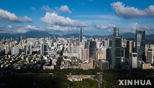사흘에 한층 시공이 가능?… 中 75층 빌딩 미친듯이 흔들려 대피 소동