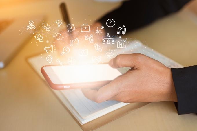 금융사들이 자사 애플리케이션(앱)을 통해 '디지털지갑' 서비스를 구현하는데 속도를 내고 있다./사진=이미지투데이