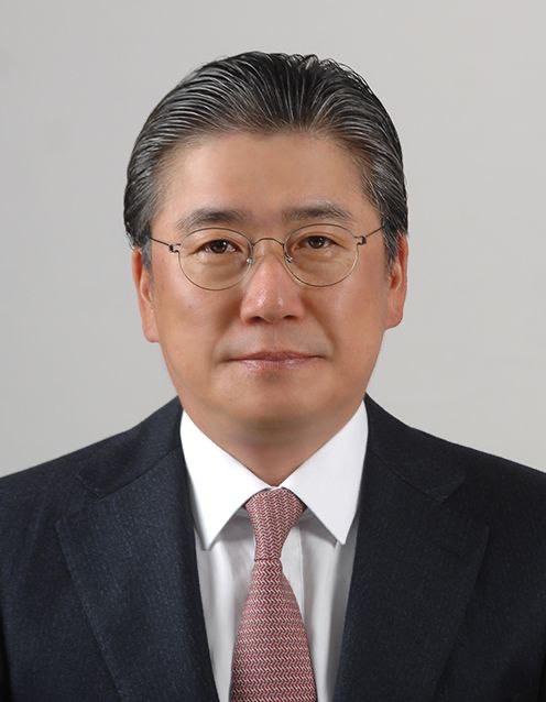 한국전력은 28일 전남 나주 본사에서 임시주주총회를 개최하고 정승일 전 산업통상자원부 차관을 제21대 사장으로 선임했다.
