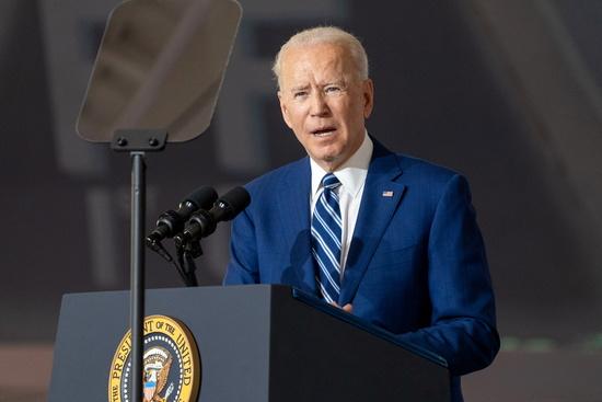 조 바이든 미국 대통령이 지난 28일 미국 버지니아주 햄튼의 랭글리-유스티스 합동기지에서 연설하는 모습. /사진=로이터