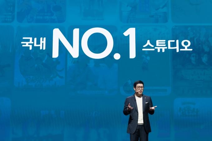 강호성 CJ ENM 대표가 31일 서울 마포구 상암동 CJ ENM 센터에서 열린 기자간담회에서 문화사업 비전에 대해 설명하고 있다. /사진제공=CJ ENM