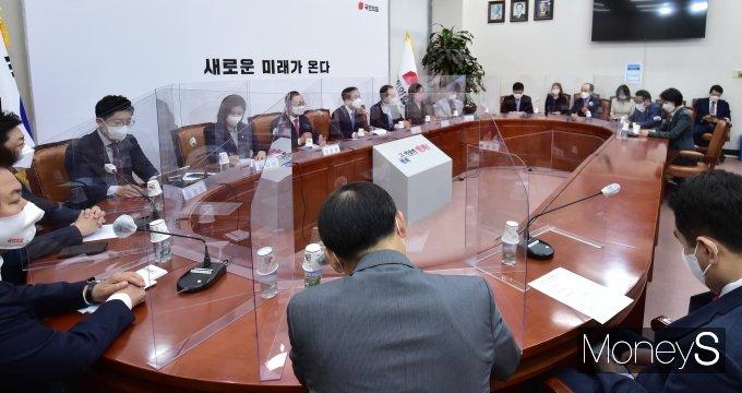 [머니S포토] 김기현 대표 대행 주재 국민의힘 비대위 회의