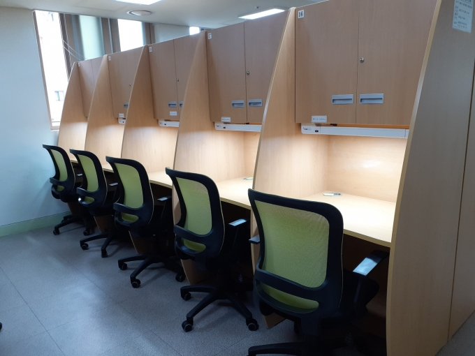 독서실 의자·LED등 교체(송파구 제공).© 뉴스1