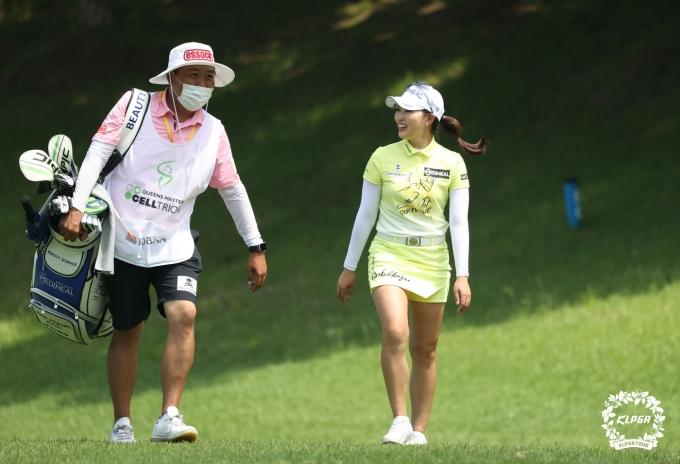 [사진] 이글 성공한 안지현