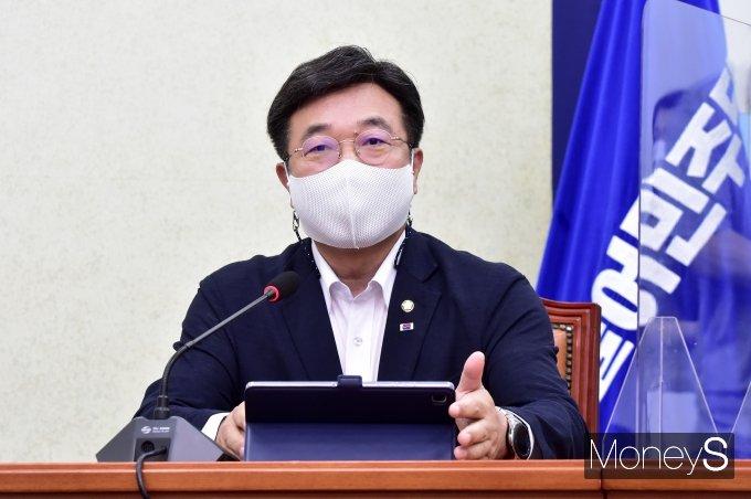 """[머니S포토] 민주당 윤호중 """"국민의힘, 입법 바리케이트 철거해야..."""""""