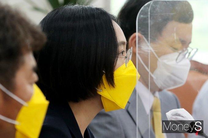 [머니S포토] 정의당 대선준비단 회의, 발언하는 장혜정 정책위의장