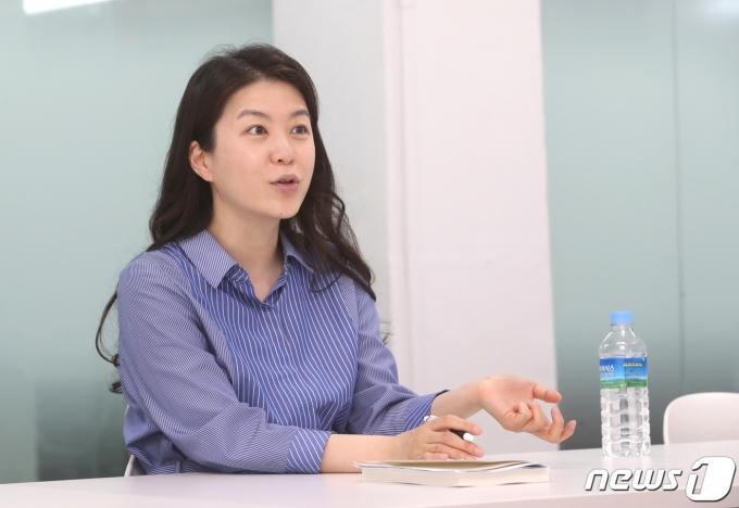 인터뷰 내내 자신의 생각을 명확하게 밝힌 유꽃비 팀장. 2021.6.7/뉴스1 © News1 이성철 기자