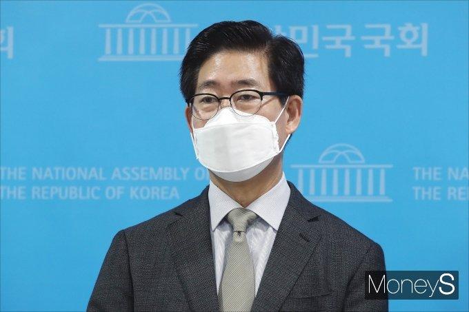 [머니S포토] 양승조 '모든 대선주자 참여하는 개헌 연석회의 제안'