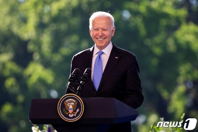 조 바이든 미국 대통령이 16일 스위스 제네바에서 기자회견을 열고 있다. © 로이터=뉴스1