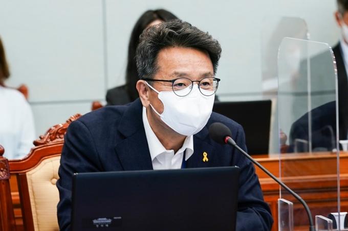 이철희 정무수석이 라디오에 출연해 최근 일본이 보인 외교적 행동을 비판했다./ 사진=뉴스1
