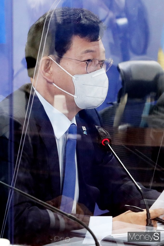 [머니S포토] 당 입장 전하는 송영길 민주당 대표
