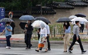 [내일 날씨] 전국 흐리고 약한 비… 더위도 주춤