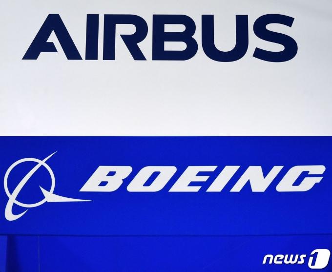 에어버스와 보잉 로고. © AFP=뉴스1