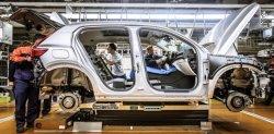 볼보자동차, 차 만드는 '철'에도 화석연료 안 쓴다… 스웨덴 SSAB와 협업
