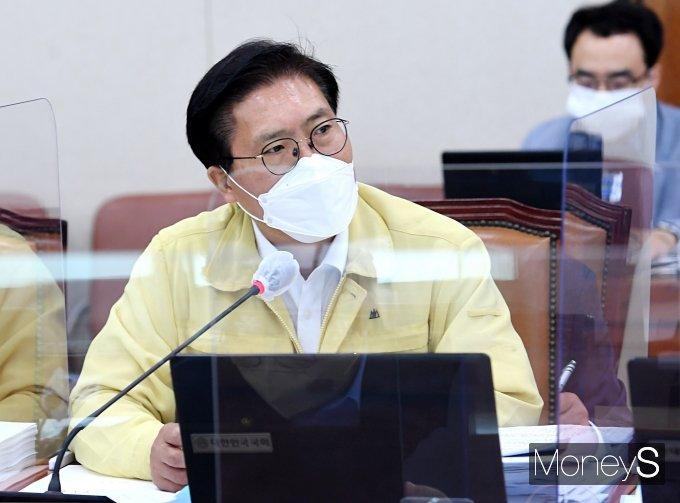 [머니S포토] 이천 쿠팡물류센터 화재 진압 관련해 발언하는 송석준 의원