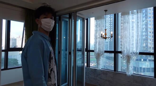 박수홍이 반려묘 다홍이와 함께 살아갈  주거공간을 공개했다. /사진='검은고양이 다홍' 유튜브