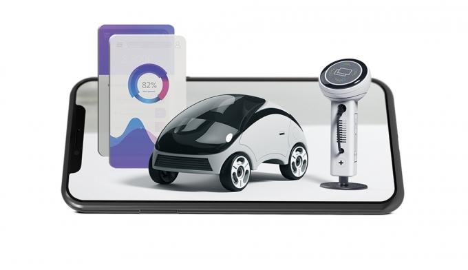 자동차업계에서는 무선 업데이트 기술인 OTA(Over-The-Air)가 전기동력화·자율주행기술과 맞물리면 더 큰 효과를 낼 것으로 기대한다. /그래픽=김영찬 기자