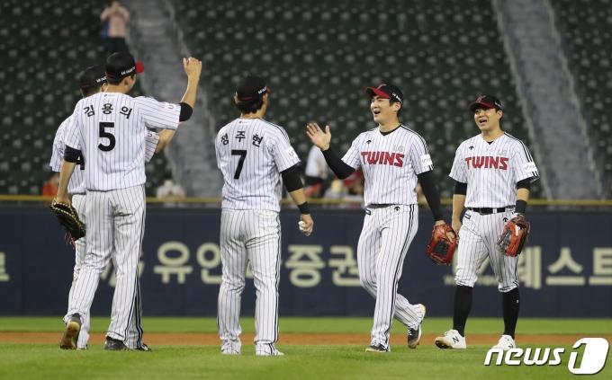 [사진] LG, KIA에 5-0 완승