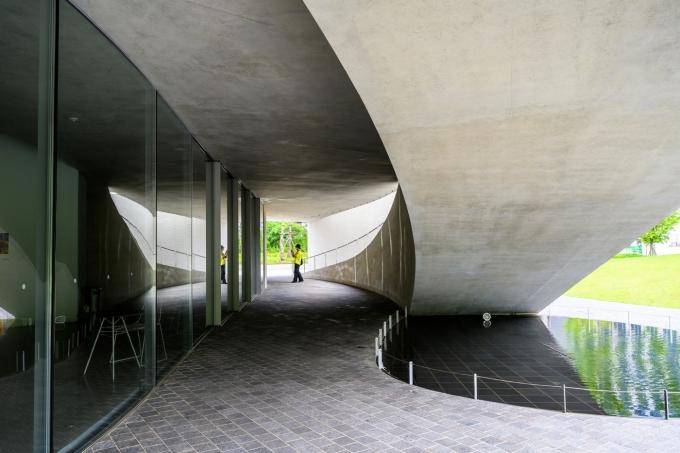 스페이스K의 부드러운 곡선이 돋보이는 미술관의 디자인. 서울관광재단 제공