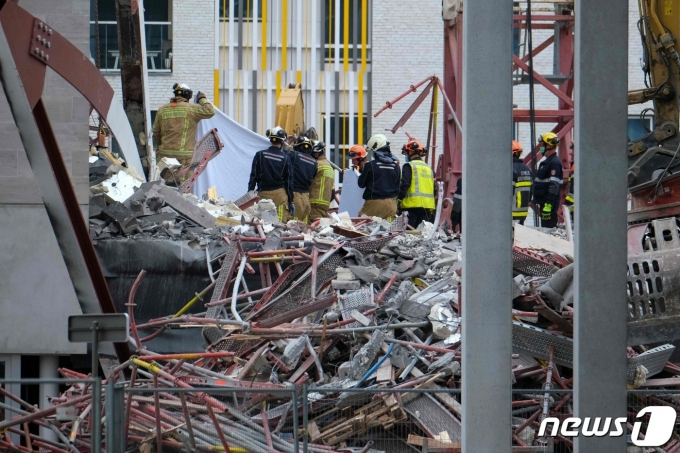 18일(현지시간) 벨기에 앤트워프 학교 공사 현장에서 붕괴 사고가 발생했다. 2021.06.19 © AFP=뉴스1