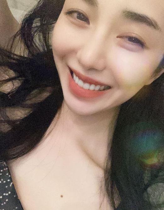 그룹 AOA 출신 배우 권민아가 무속인을 만나 굿을 한뒤 평온한 일상을 보내고 있다고 말했다./사진=권민아 인스타그램