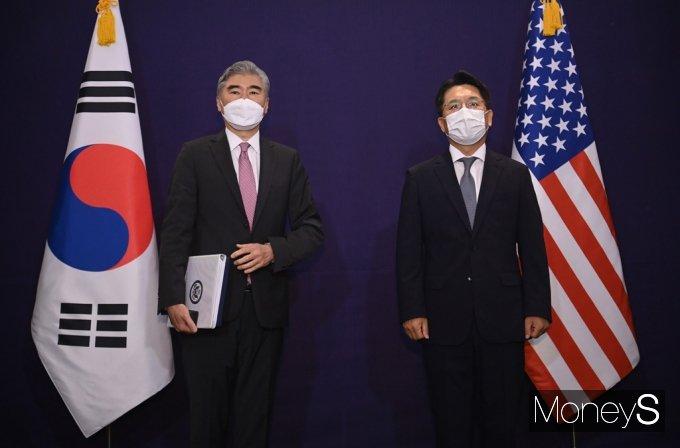 [머니S포토] 한미 북핵 수석대표, 북핵문제 논의 위해