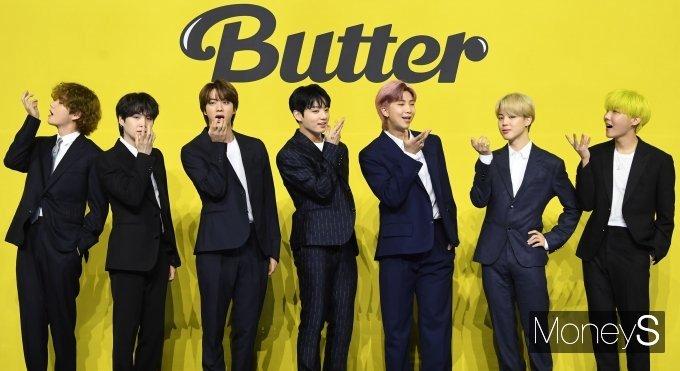 """""""21세기 들어 최초""""… BTS '버터' 빌보드 4주 연속 1위"""