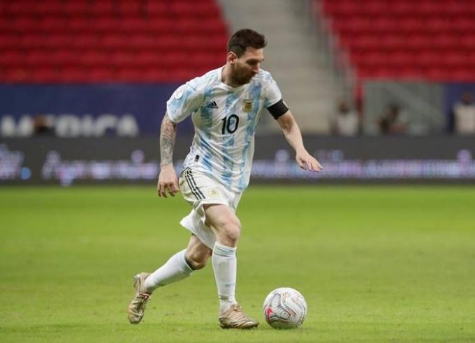 오는 29일(이하 한국시각) 리오넬 메시는 2021 코파 아메리카 볼리비아와의 조별라운드 4차전에 선발 출전할 것으로 예상된다. 이 경기를 통해 아르헨티나 A매치 출전 단독 1위에 올라설 가능성이 크다. /사진=로이터