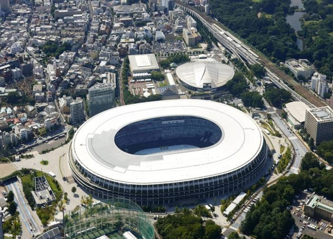 22일 일본 지지통신은 도쿄올림픽 조직위에서 올림픽 종사 인원들을 경기장 수용인원에서 제외하는 등 특별대우를 하고 있다고 보도했다. 사진은 다음달 23일 개막식이 열리는 도쿄올림픽 주경기장의 모습. /사진=로이터