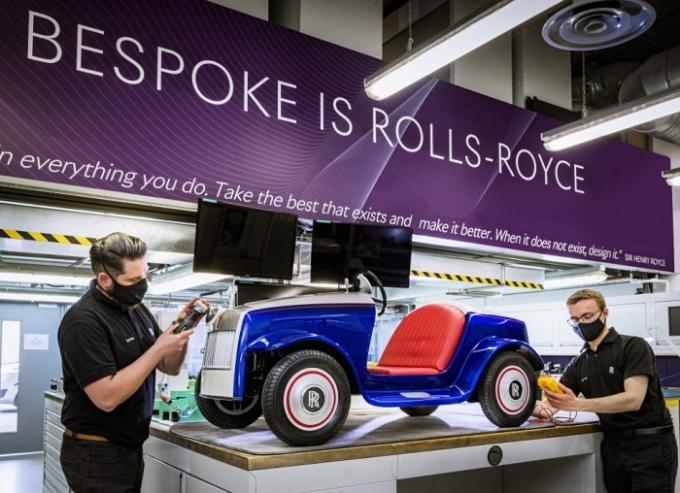 롤스로이스모터카가 사회공헌을 위한 비스포크 프로젝트의 일환으로 '롤스로이스 SRH'의 특별 정비를 진행했다. /사진제공=롤스로이스