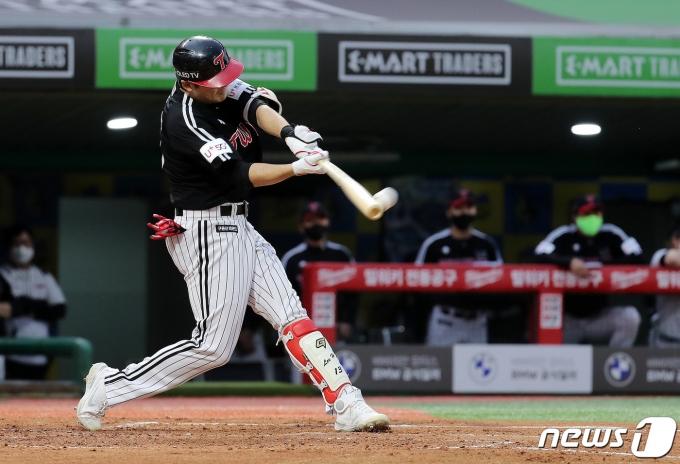 [사진] 이형종 '시원한 2점 홈런'