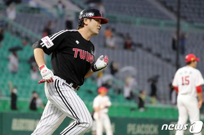 [사진] 이형종 '컨디션 최고, 3점 홈런'