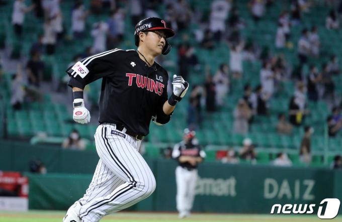 [사진] 채은성, 큼직한 3점 홈런