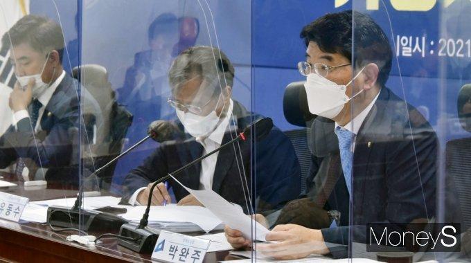 [머니S포토] 민주당 가상자산TF, 발언하는 박완주 정책위의장
