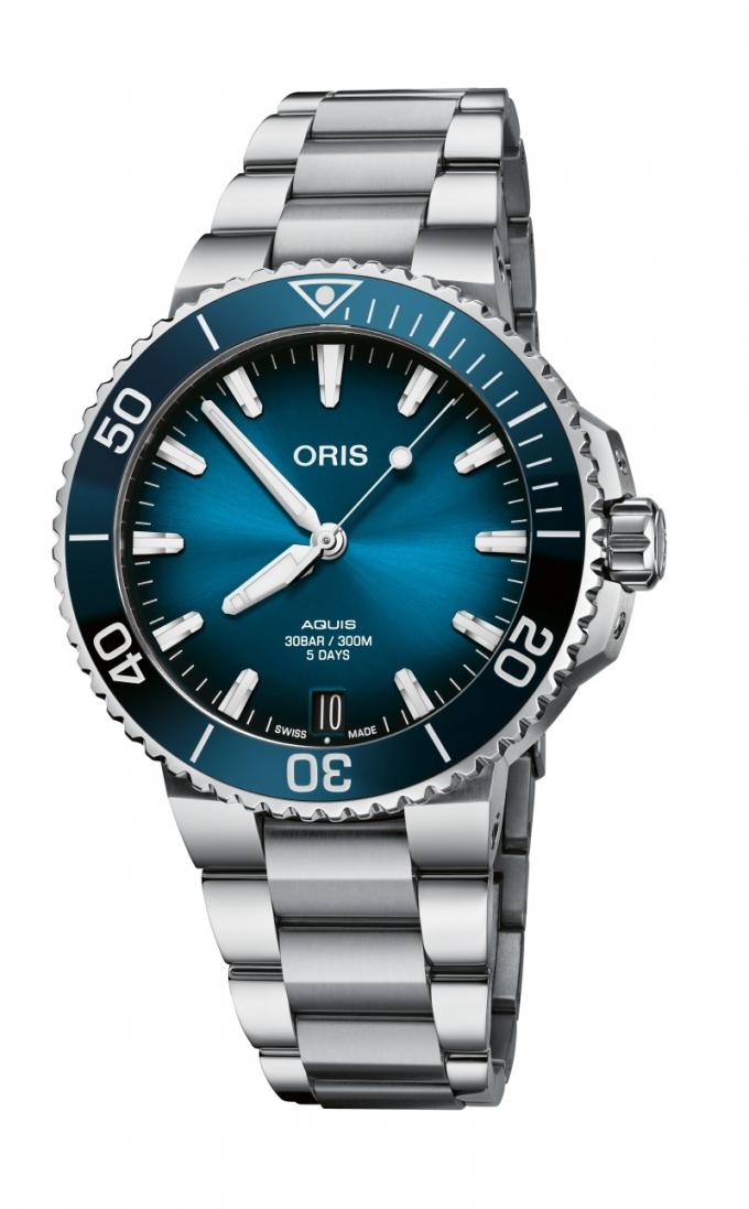 시계 제조 업체 오리스가 자동 기계식 시계 '오리스 캘리버 400' 시리즈의 다이버 모델인 '아퀴스 데이트'를 선보였다. /사진=오리스