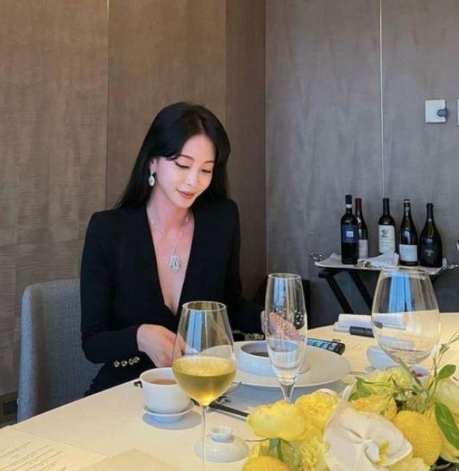 배우 한예슬이 화려한 미모를 뽐냈다. /사진=한예슬 인스타그램