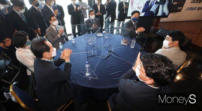 [머니S포토] 양승조 출판기념회에 모인 여당 대권주자들
