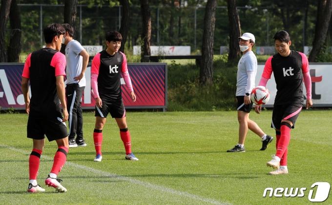 [사진] 올림픽 축구대표팀 '훈련은 즐겁게'