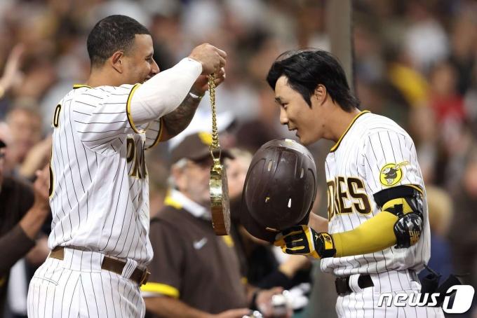 샌디에이고 김하성은 동료 선수들과 돈독한 관계를 유지하고 있다.© AFP=뉴스1
