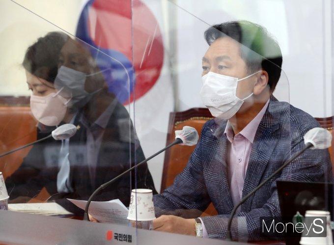 """[머니S포토] 김기현 """"국토부, 지난 4년간 서울 아파트 가격 17% 상승 주장은 통계 왜곡"""""""