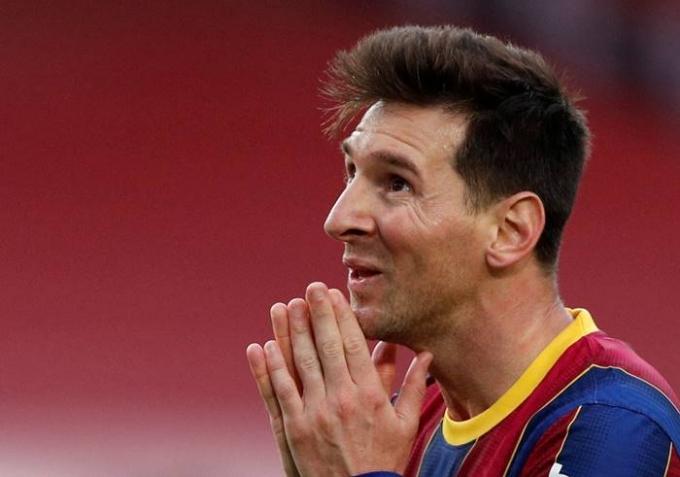 24일(한국시각) 스페인 매체 마르카는 리오넬 메시의 계약 만료가 다가오고 있지만 FC바르셀로나가 재계약을 제의하지 않았다고 보도했다. 사진은 지난달 16일 2020-2021 스페인 라리가 바르셀로나와 셀타비고 경기에 출전한 메시의 모습. /사진=로이터