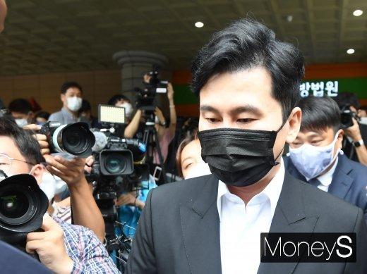 양현석 전 YG엔터테인먼트 대표가 소속 연예인의 마약 사건을 무마하려 한 혐의를 받고 있는 가운데 관련 첫 재판이 열린다. /사진=장동규 기자