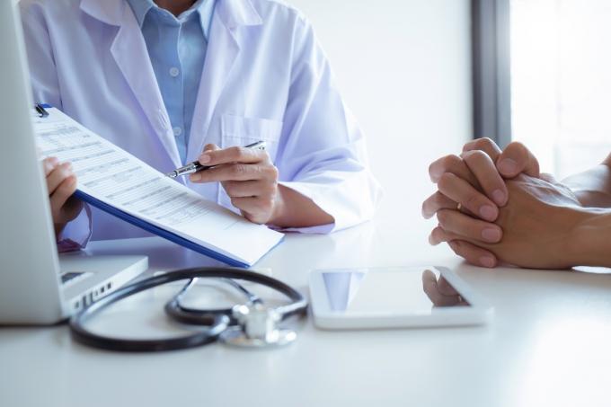 [머니vs머니]항암 치료비 부담된다면… 암보험, 어디가 좋을까