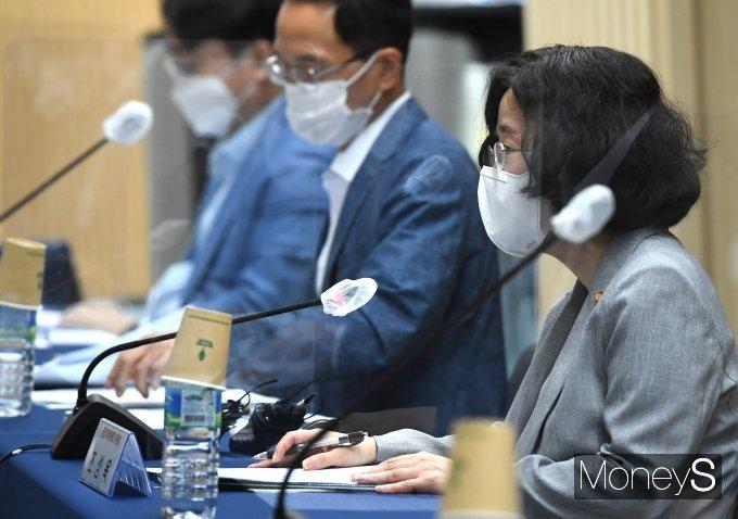[머니S포토] 조성욱 '외식 가맹사업 거래 공정화 자율규약 체결식 축사'