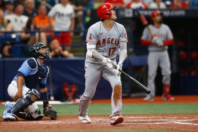 29일(이하 한국시각) LA에인절스 오타니 쇼헤이가 미국 뉴욕주 뉴욕 뉴 양키 스타디움에서 열린 뉴욕 양키스와의 원정경기에 2번·지명타자로 선발 출전해 시즌 26호 홈런을 기록했다. 사진은 지난 28일 템파베이 레이스전에서 시즌 25호 홈런을 기록하는 오타니의 모습. /사진=로이터