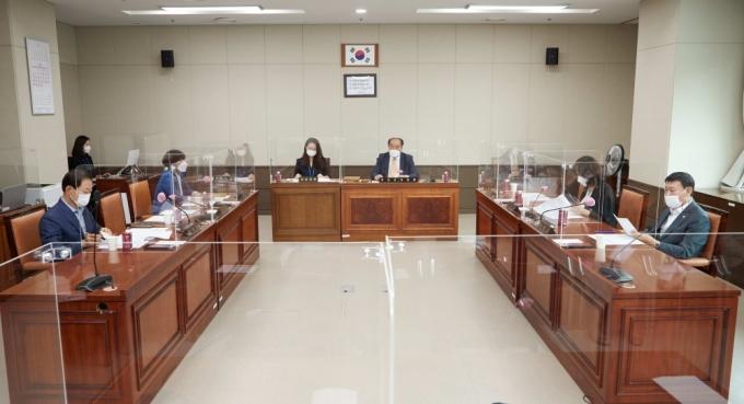 30일 열린 용인시의회 의회운영위원회. / 사진제공=용인시의회