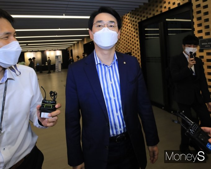 [머니S포토] 대선 경선 후보 공명선거 실천 서약식 참석한 박용진